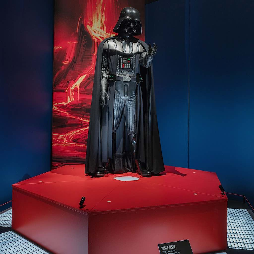 Star Wars Power of Costume Darth Vader