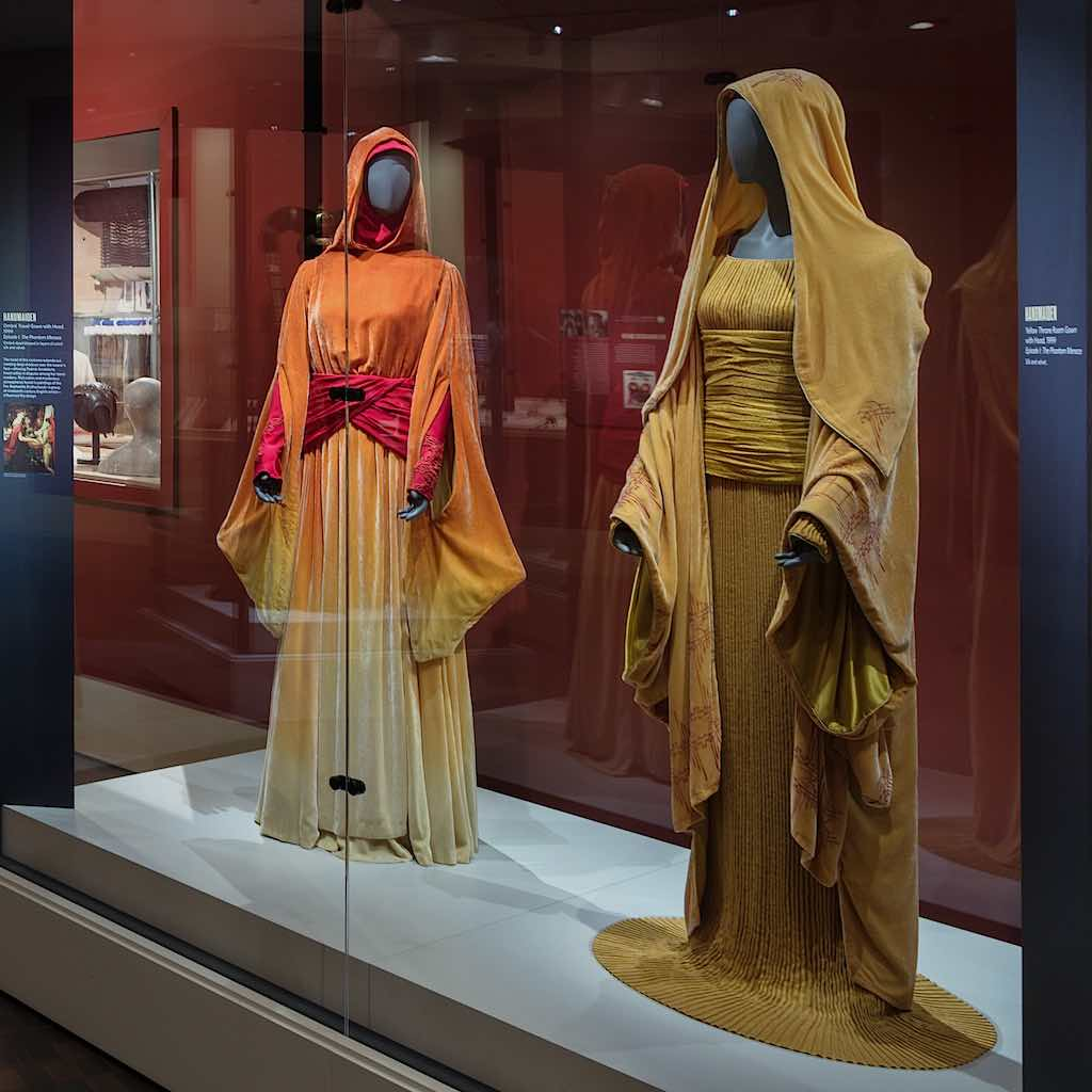 Star Wars Power of Costume Handmaidens